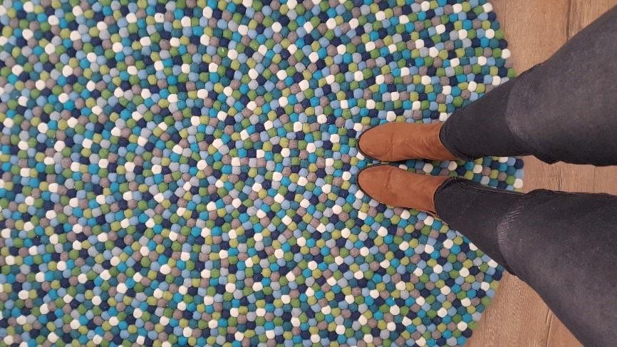 שטיח עבודת יד נרכש online - לחדר תינוקות בדירת 4 חדרים באר שבע